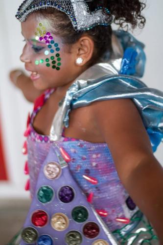 Rainha-da-Sucata.-rainha-da-bateria-Sambódromo-desfile-Pimpolhos-2011