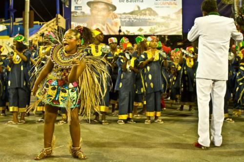 africa-rainha-da-bateria-Carnaval-2012